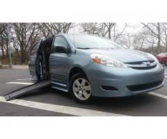 2010 Toyota Sienna LE Braun Mobility Wheelchair Accessible |   $15,995