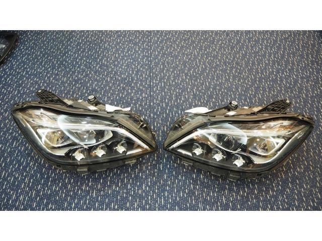 MERCEDES BENZ W218 CLS63 AMG LED TAIL LAMP
